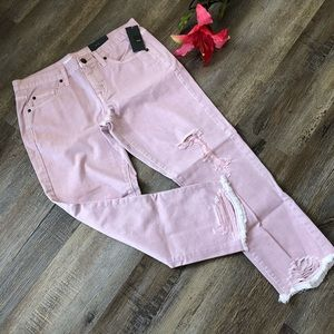 ***NWT*** Massimo distressed boyfriend crop jeans.